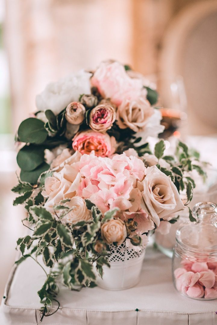 Blush flowers wedding centerpiece - A blush colour theme for a gorgeous wedding | fabmood.com #wedding #blushwedding #weddinginspiration #realwedding #weddingstyle