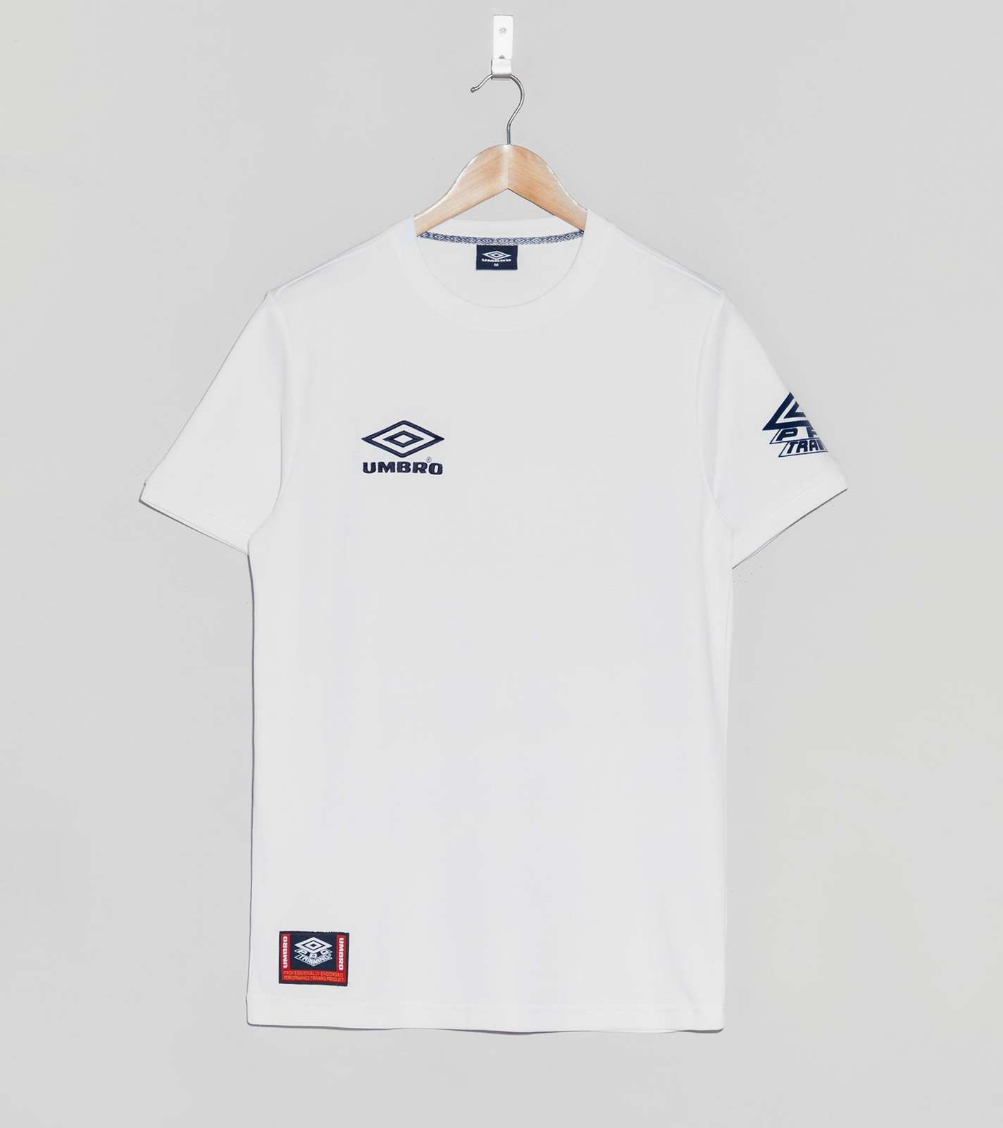 Umbro Aerotex Jersey - find out more on our site. Find the freshest in  trainers and clothing online now.