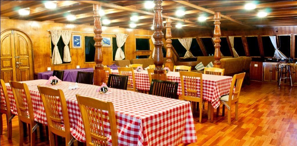 Dining area @ saloon
