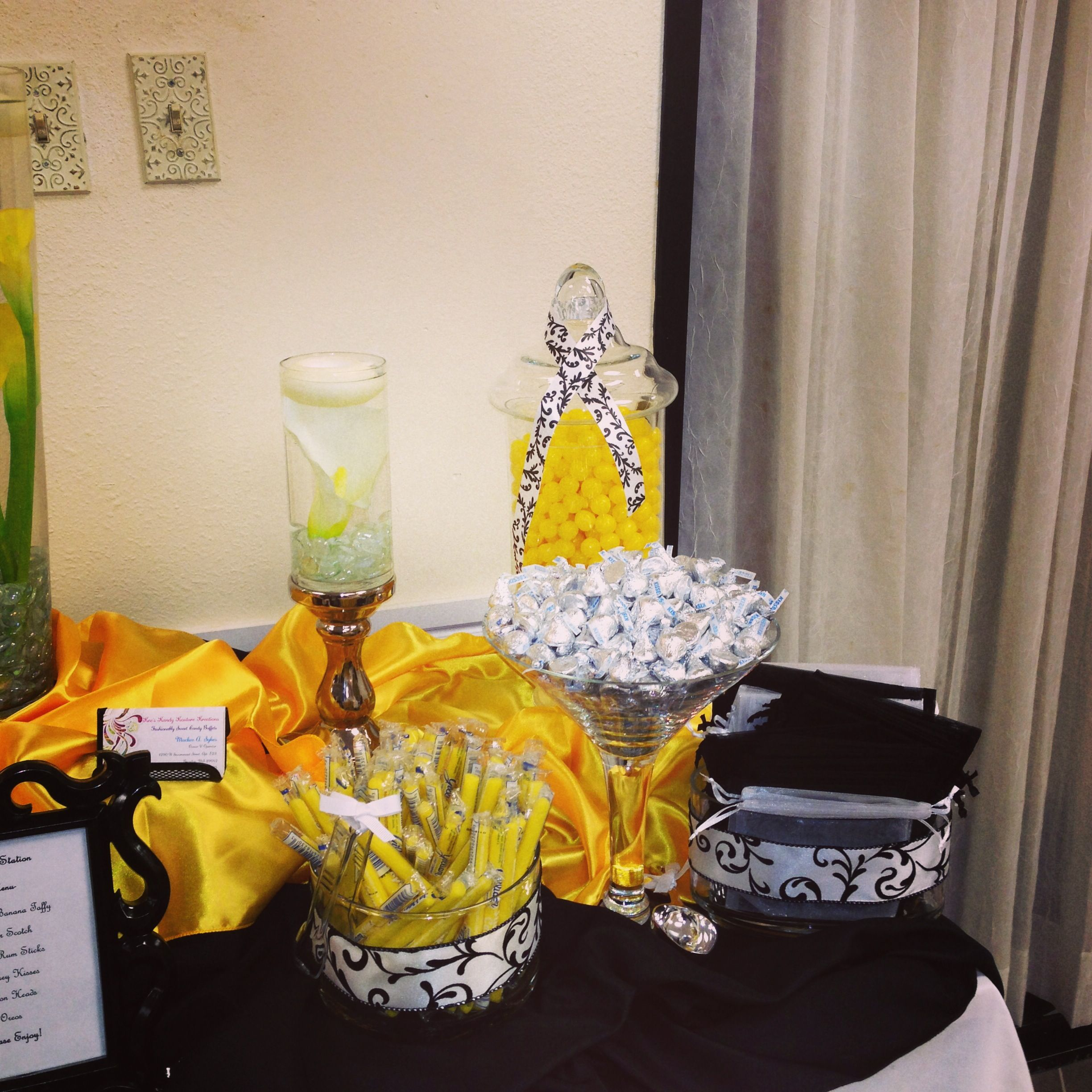 Black and yellow candy buffet!