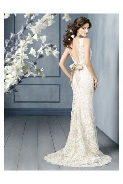 The back of this dress is beautiful
