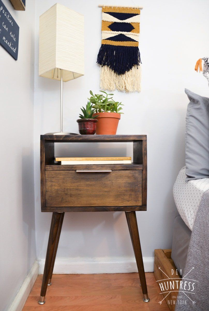 DIY Retro Side Table - DIY Huntress