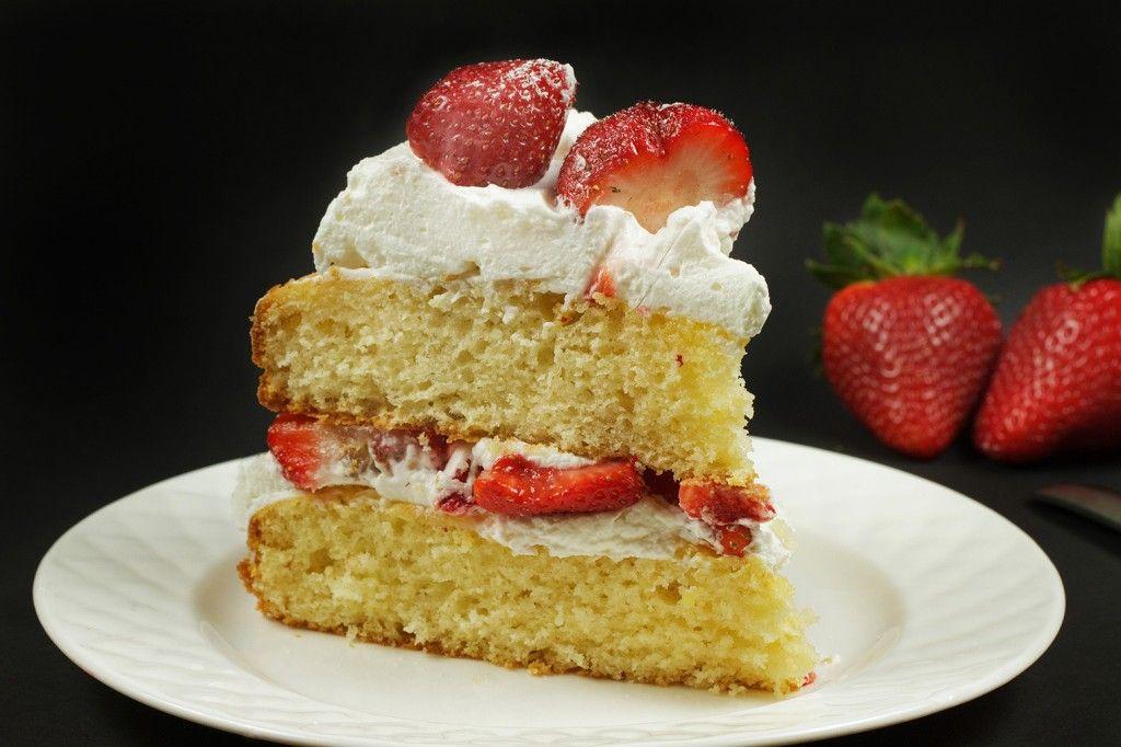 Strawberry Cake Recipe Jamie Oliver: Italian Strawberry Cake With Cream
