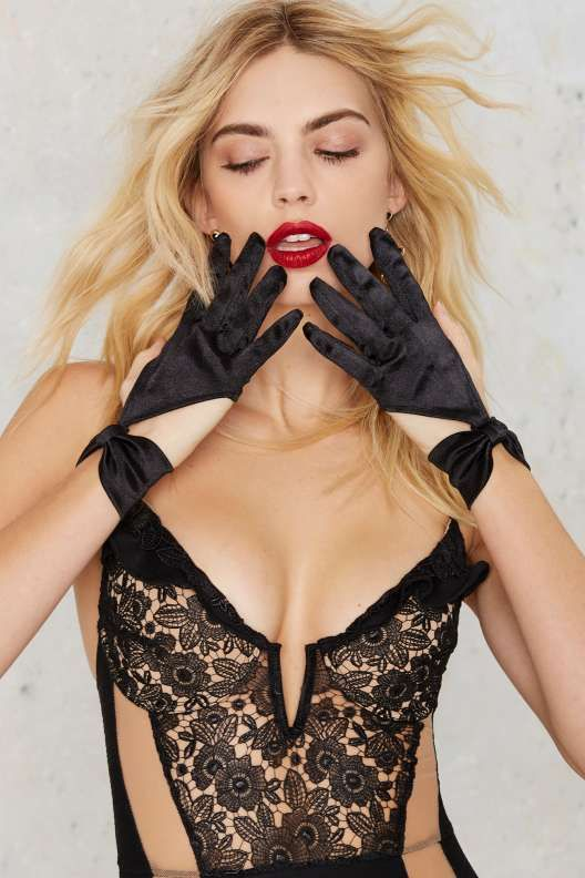 Bow Out Cutout Satin Gloves - Valentine's Day