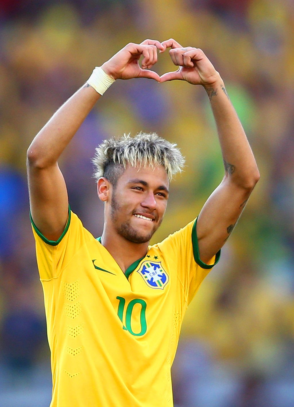 Brazil vs Chile - June 28, 2014 #wc2014 #worldcup # ...Neymar Playing Soccer 2014