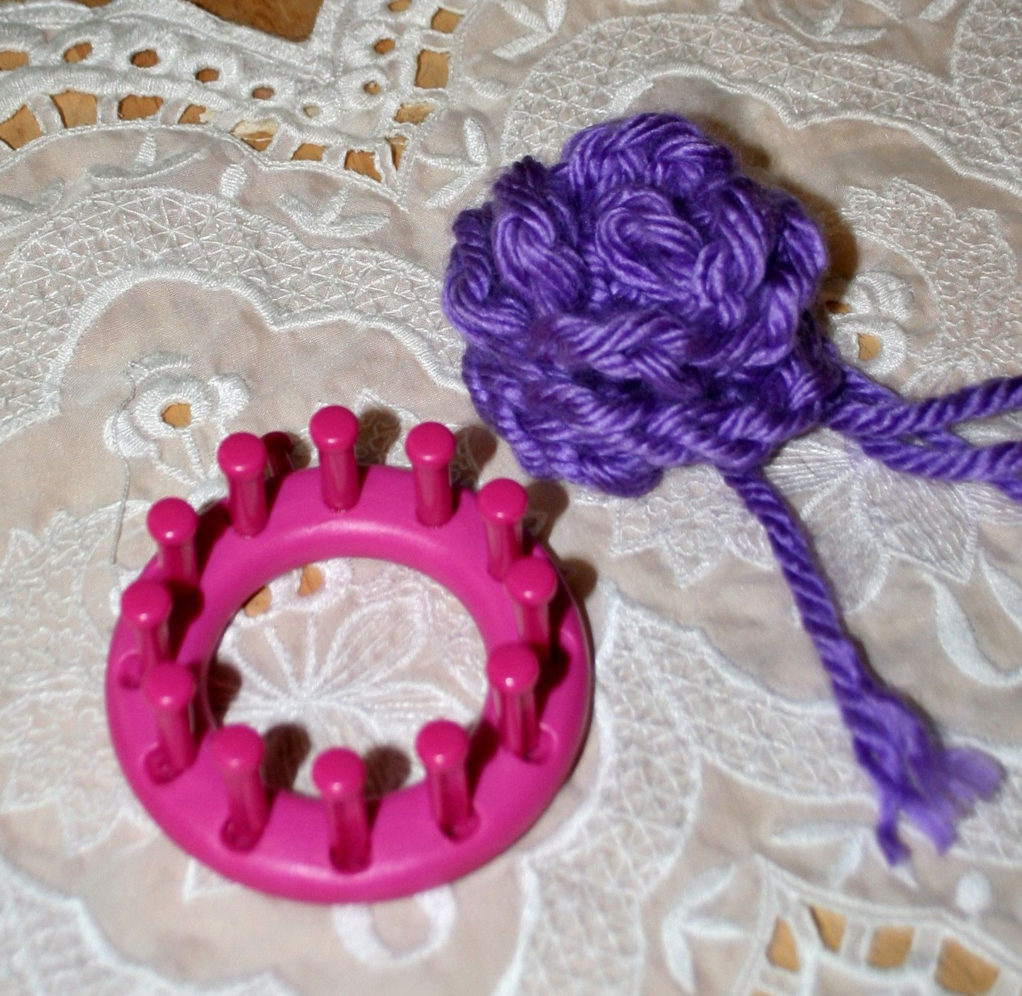 Knitting Flowers On A Loom : Big bulky loom knitting rose made with super chunky yarn