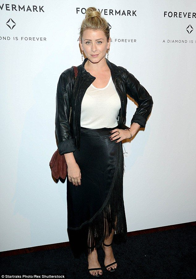 Lord of the rings: Lady Lovin' podcaster Lo Bosworth flashed her bra beneath an ultra-shee...