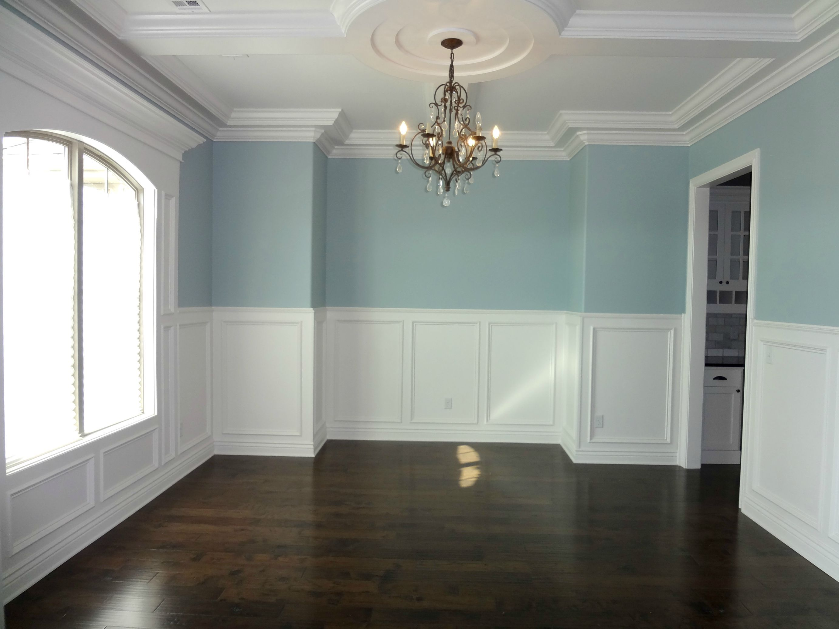 These 9ft ceilings will really make you work up an appetite for a ...