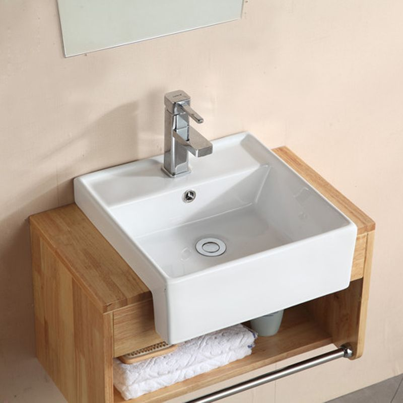 Goods Brought Modern And Simple European Style Solid Wood Bathroom