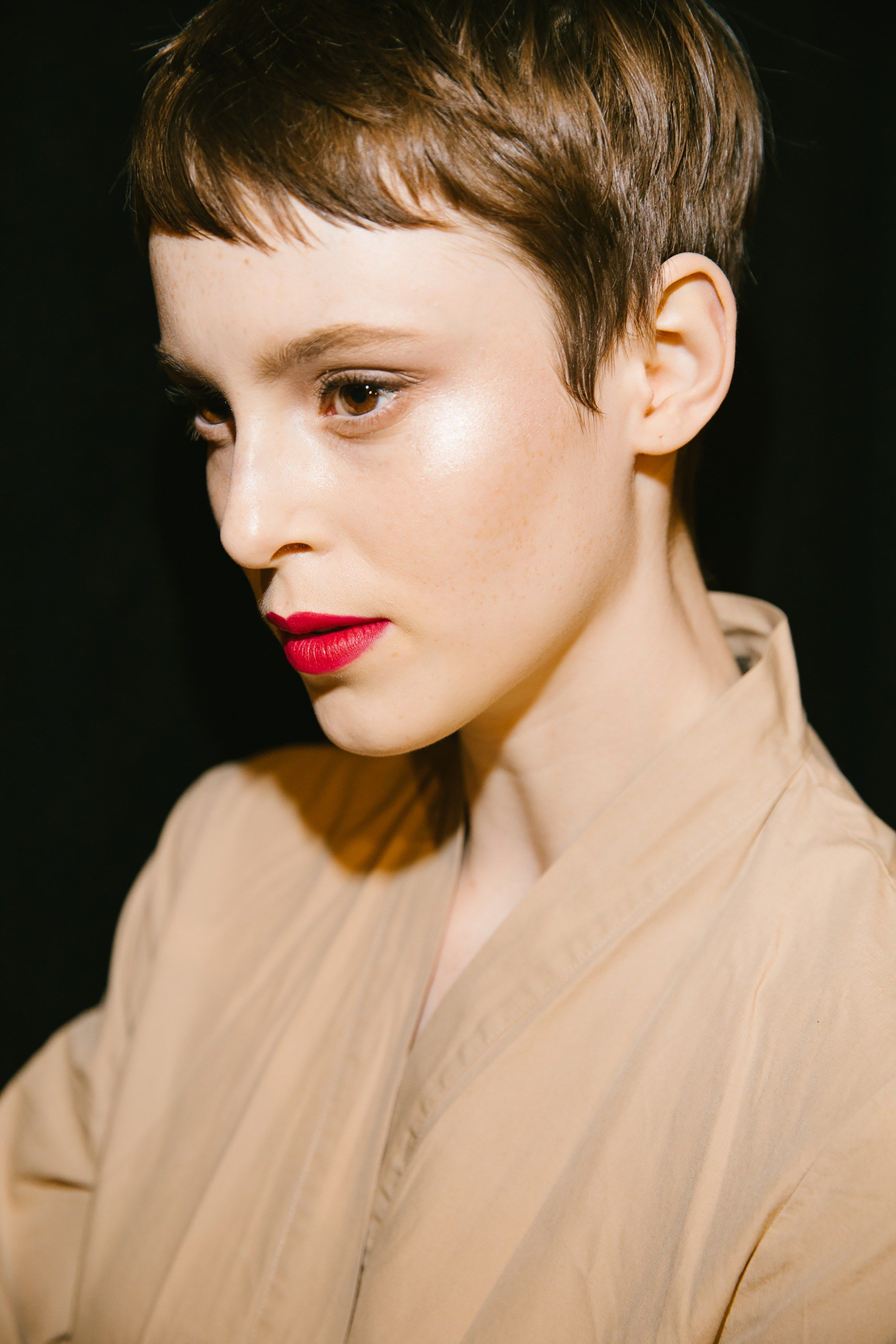 the best backstage photos from new york fashion week fall 2018