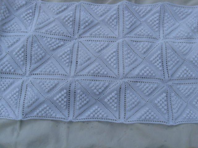 modele couvre lit crochet modele crochet dessus de lit   coperte noccioline   Pinterest  modele couvre lit crochet
