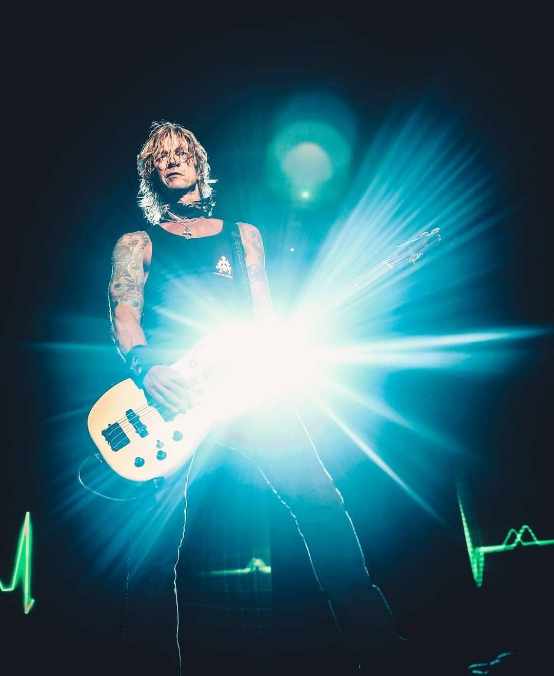 "Team Guns N' Roses on Instagram: ""Mr. Duff McKagan 🤘🏼 Boa tarde, gunners! Good afternoon! #GunsNRoses #GNR #GnFnR #DuffMcKagan #NotInThisLifetime #NotInThisLifetimeTour…"""