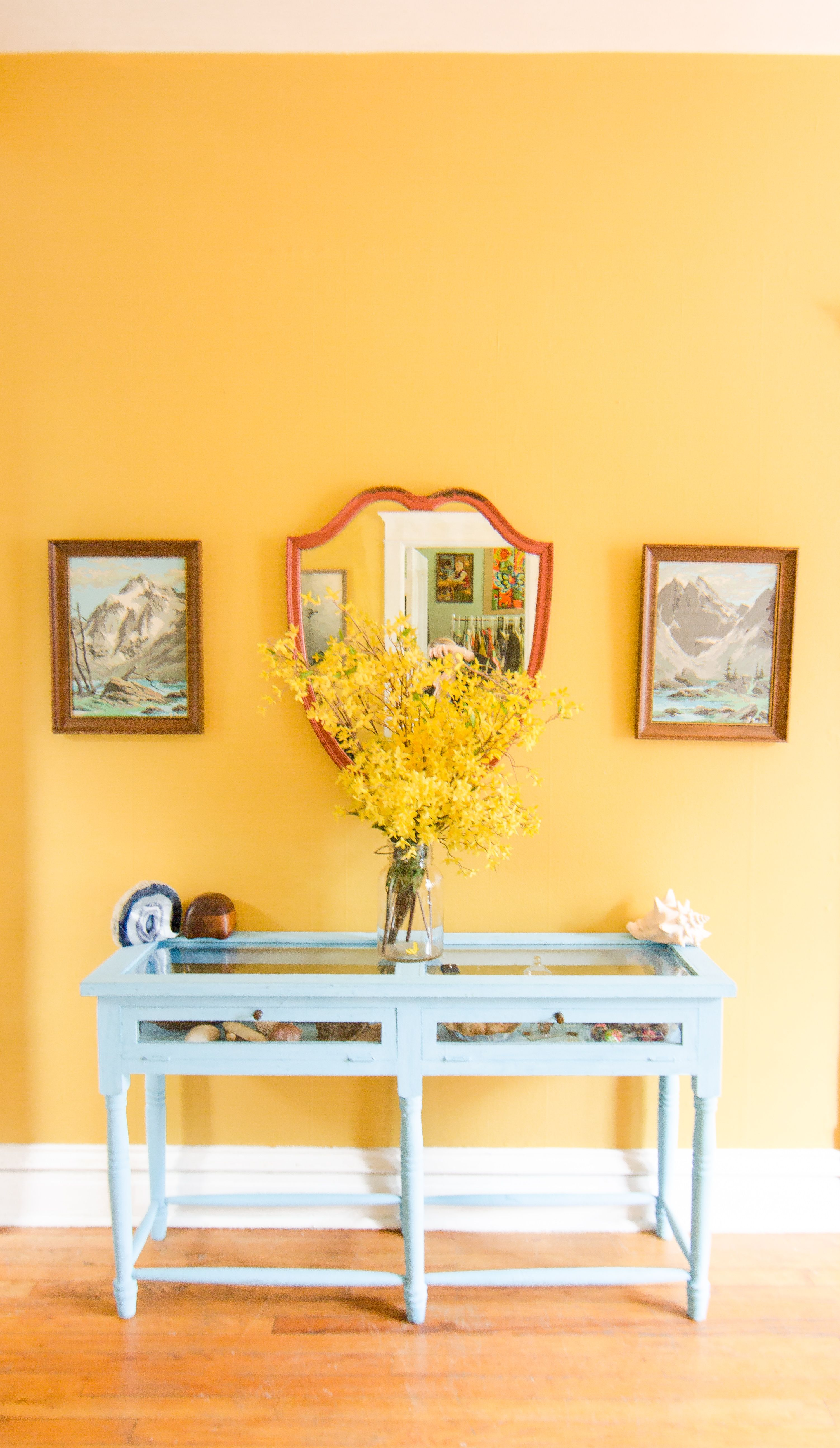Paint colors that match this Apartment Therapy photo: SW 6649 Tango ...