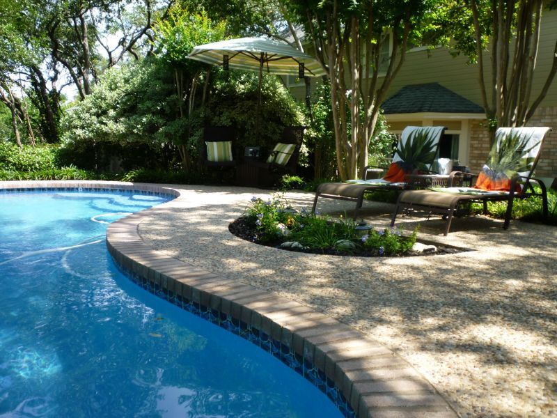 Pool landscaping pictures ideas backyard retreat for Design pool klein