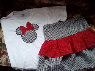 Super easy and cute DIY outfit for the next Disney Trip