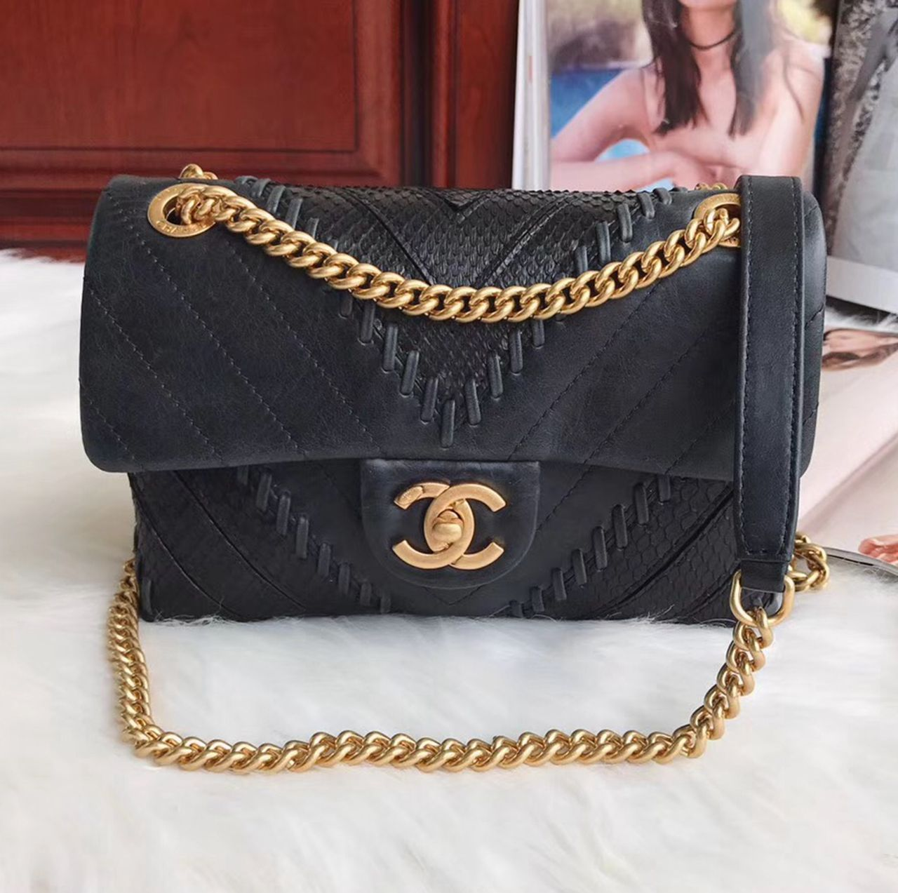 6e6ce26507bbda Chanel Chevron Small Flap Bag 100% Authentic 80% Off | Chanel Bags Sale  Outlet