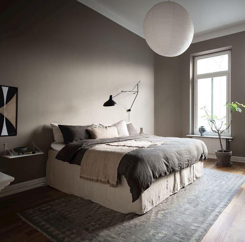 Greige bedroom with dark accent pieces - COCO LAPINE ...