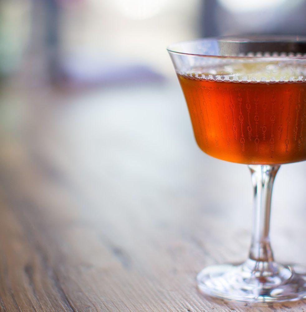 Reinterpreting the Perfect Manhattan [Cocktail Recipe] | Bitter and ...