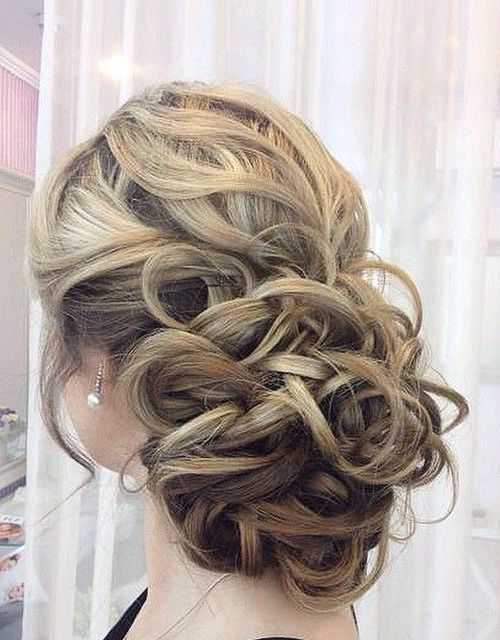 35 Romantic Wedding Updos For Medium Hair Wedding Hairstyles 2021 Hairstyles Weekly Wedding Hairstyles For Medium Hair Easy Wedding Guest Hairstyles Wedding Guest Hairstyles