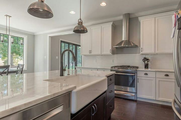 Kitchen By Angela Raines At Our Gallery Kitchen And Bath Showroom Location Knoxville Tn Kitchen Cabi Kitchen And Bath Showroom Homecrest Cabinets Kitchen Sale