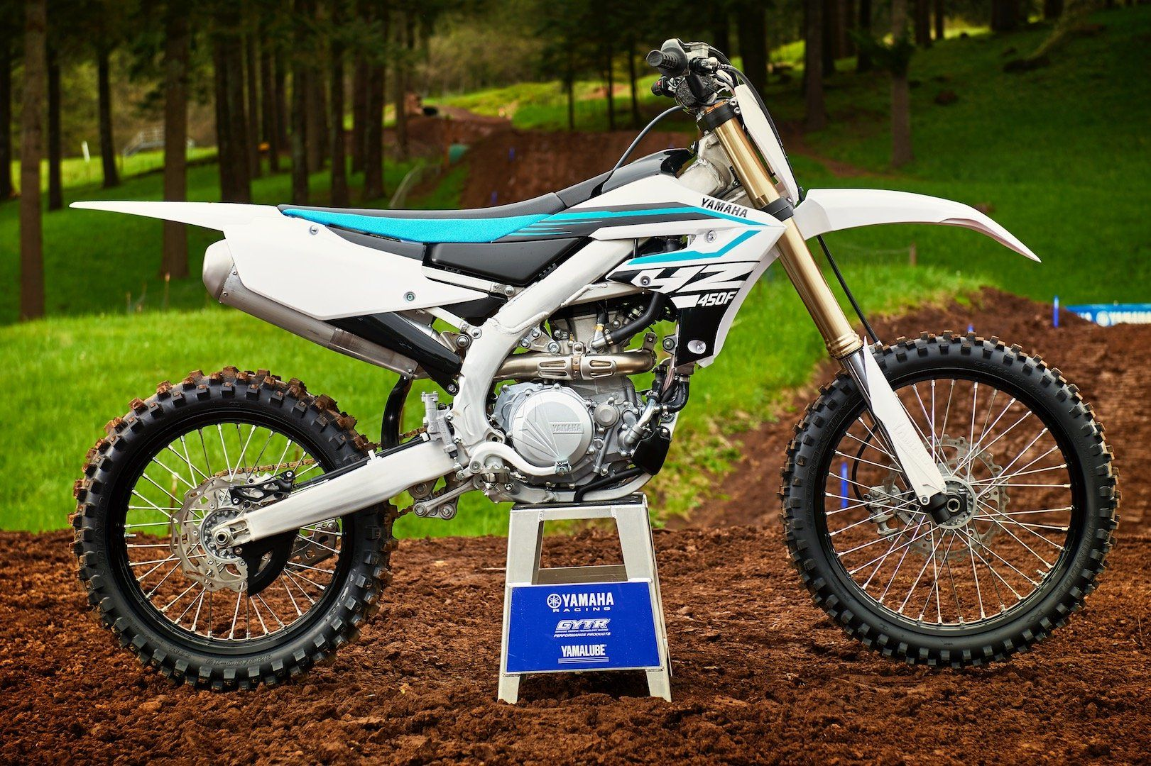 2018 Yamaha 450 Redesign And Review From 2018 Yamaha Yz450f First Look 14 Fast Facts Throughout 2018 Yamaha 450 Yamaha Dirtbikes First Look
