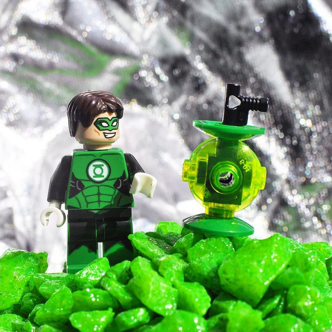 Green Lantern - DC Comics  #lego#legogram#legostagram#legomania#legominifigures#legophoto#legophotography#legoaddict#minifigures#collection#greenlantern#legosuperheroes#superheroes#dccomics#dc#green#lantern#silver by lego_destraction