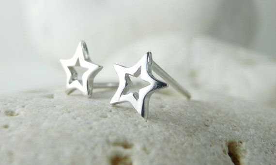 Tiny Silver Star Earrings. 925 Steling Silver Star by Misstura