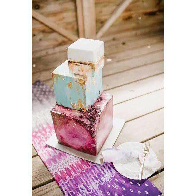 #wedding #cake #weddingcake #beautiful #beautifulweddingcakes #inspiration #inspired #cute #pretty #nice #wow #dessert #love #relationship #marry #ceremony #future #goals