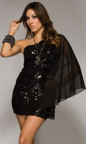 Black Forplay Cocktail Dress S or M. Starting at $15 on Tophatter.com!