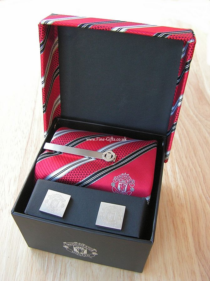 17661ffabd64 Manchester United FC Tie Tie-Pin Cufflinks Gift Set - Football Team  Supporter Gifts #