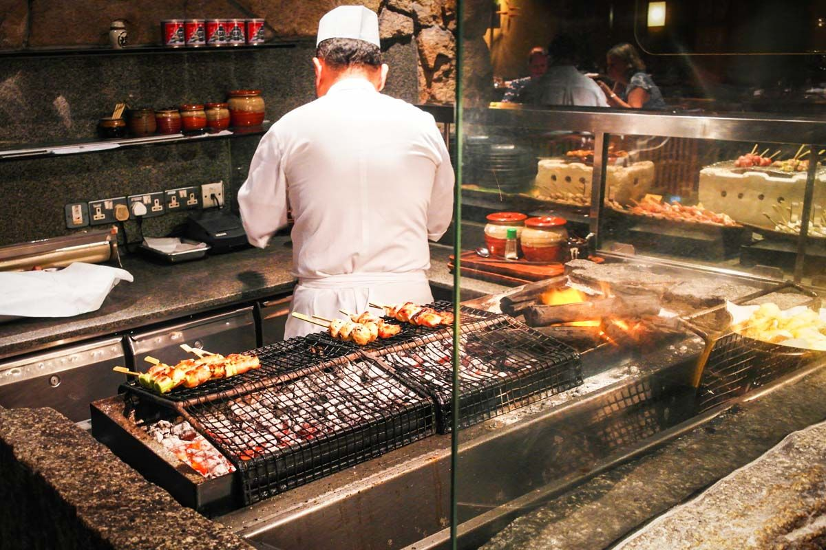 Mezza9 Grand Hyatt Singapore Buffet Review Bbq Restaurant Grill Restaurant Bar Design Restaurant