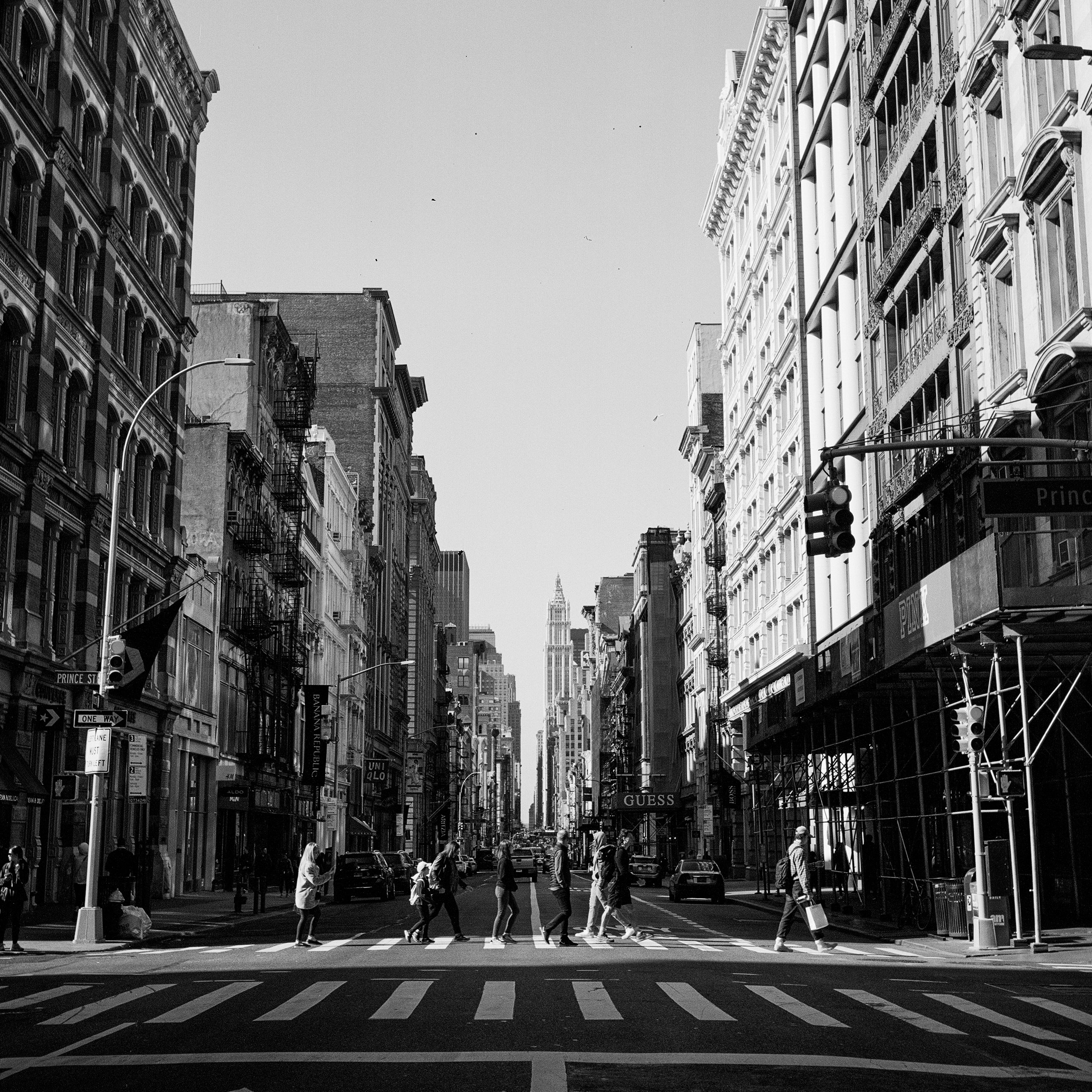 Nathan Kraxberger New York City Streets City Aesthetic Black Aesthetic Wallpaper Black And White Photo Wall