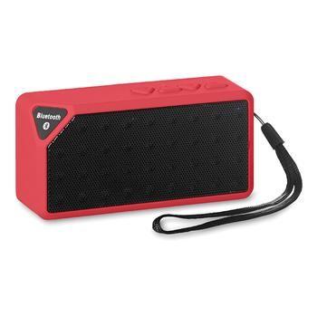 Speaker bluetooth mod. MO8728, in ABS con finitura metallizzata. Batteria ricaricabile, include un cavo AUX/USB. Radio FM. 1 batteria Li-ion 3.7V 400 mAh inclusa. Con laccetto da polso e microfono per parlare al telefono. Dimensioni: 10,4x3,6x5,4 cm http://www.sadesign.it/it/gadget/mo8728_29934_idp/