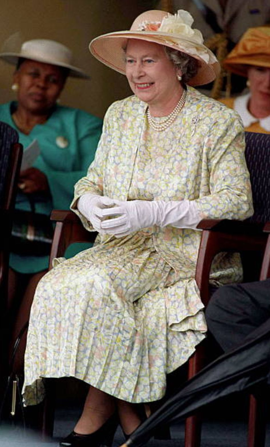 March 1995 Queen Prince Philip Chatting Together During A Visit To Vukuzakhe High School In Durban South Africa Queen Hat Queen Dress Her Majesty The Queen