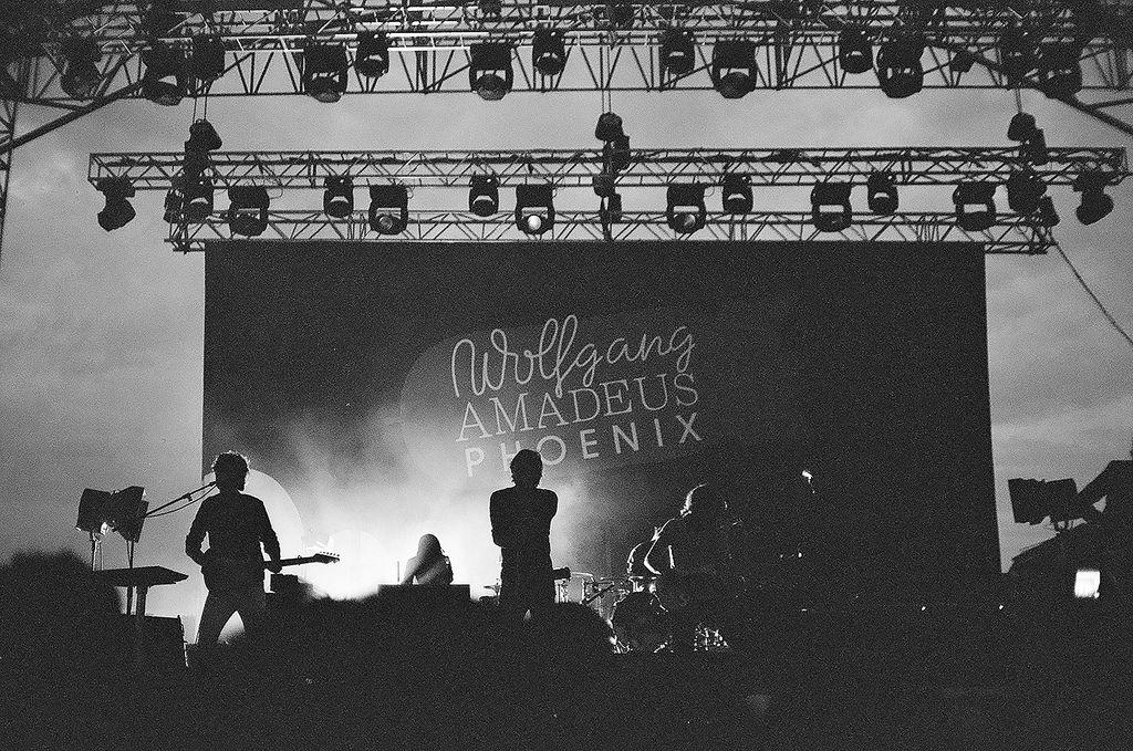 Phoenix De Live
