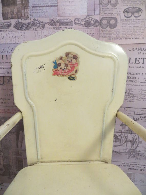 Vintage Amsco Pale Yellow Metal Tin High Chair by oZdOinGItagaiN