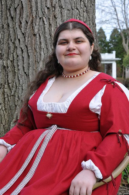 Liked seeing how plus size clothes look in the SCA  Love