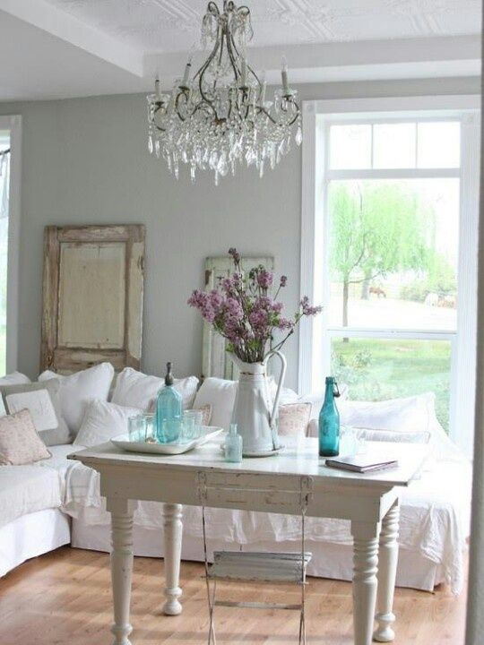 shabby chic living room; with lower tabl - http://myshabbychicdecor.com/shabby-chic-living-room-with-lower-tabl/