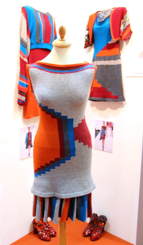 Simultaneity is a collection born to express my love of colour and pattern. It features a strong amount of intarsia that was inspired by Sonia Delaunay's abstract patterns from the 1920's which lead me to explore different yarns and to add texture throughout the knitwear.