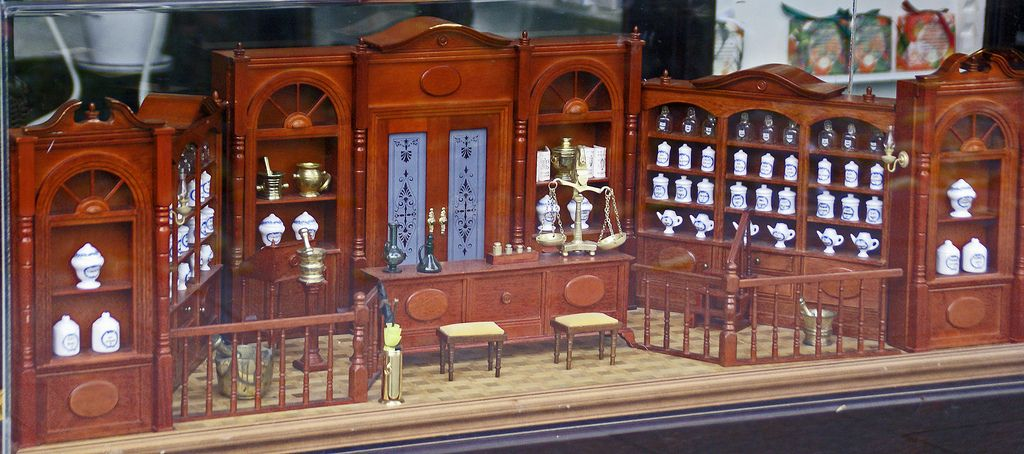 Great apotheke schaufenster Szukaj w Google MERCHANDISING PHARMACY Pinterest Pharmacy