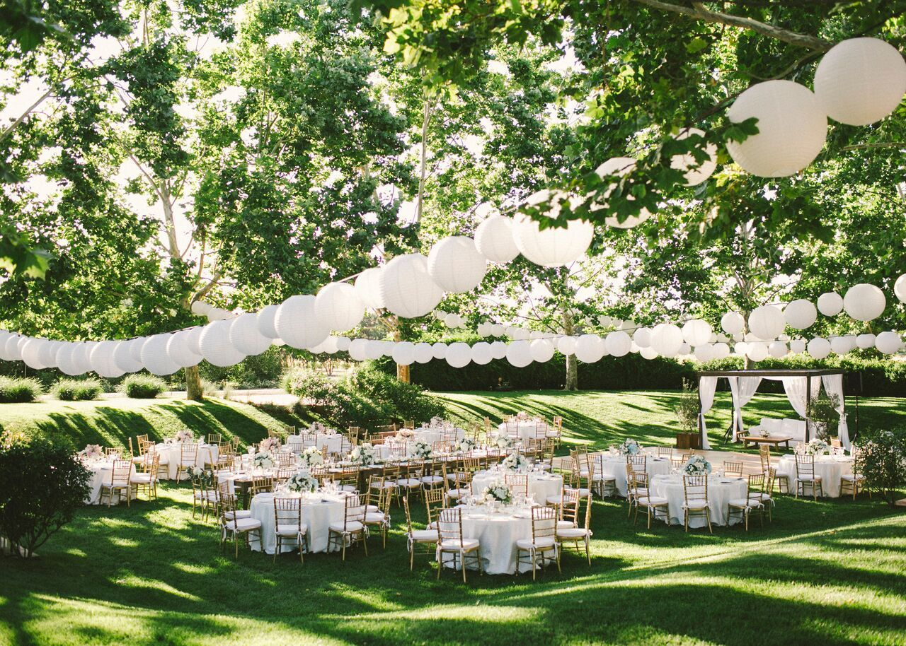 The 9 Perfect Garden Wedding Venues For A Dreamy Outdoor Celebration Romantic Garden Wedding Garden Wedding Venue Outdoor Wedding Venues