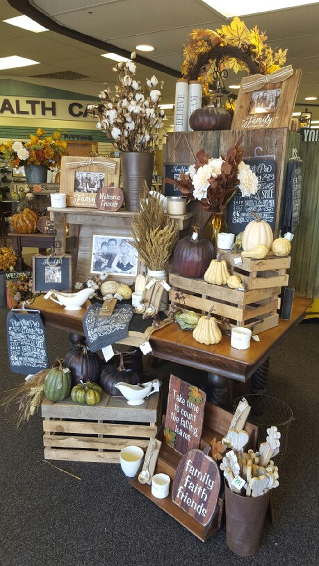 48 Retail Display Ideas 30 Fall Store Displays Store