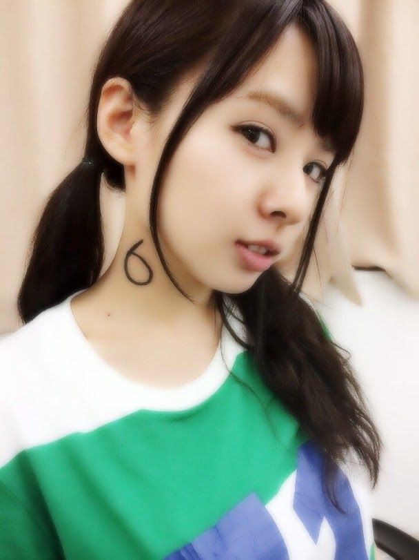 Nana counts down the days until NMB48's summer tour begins. Today: 6.