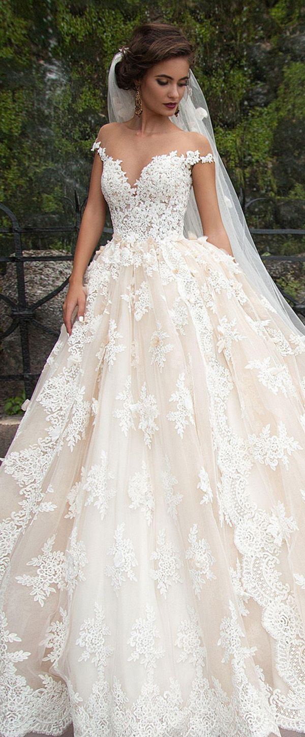 Fantastic tulle bateau neckline ball gown wedding dresses with lace