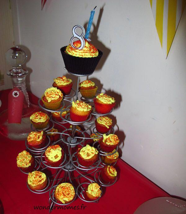 gteau danniversaire tour de cupcakes pour garon de 8 ans http
