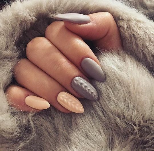 The Minimal Nail Art Trend You Have To Try Before