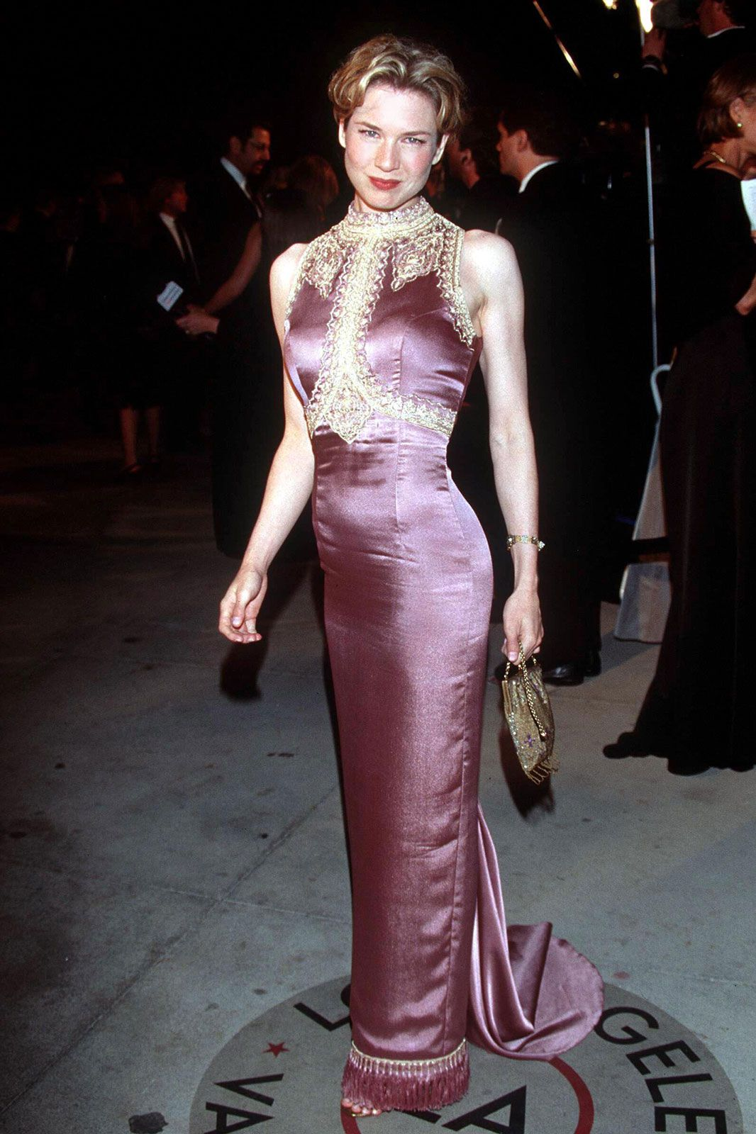 Oscars Worst Dressed Of All Time Bad Red Carpet Looks Oscars Worst Dressed Red Carpet Fashion Red Carpet Looks