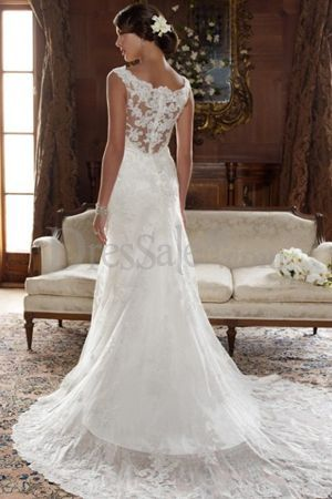 vestido de novia con espalda cubierta de encajes. #vestidosdenovia