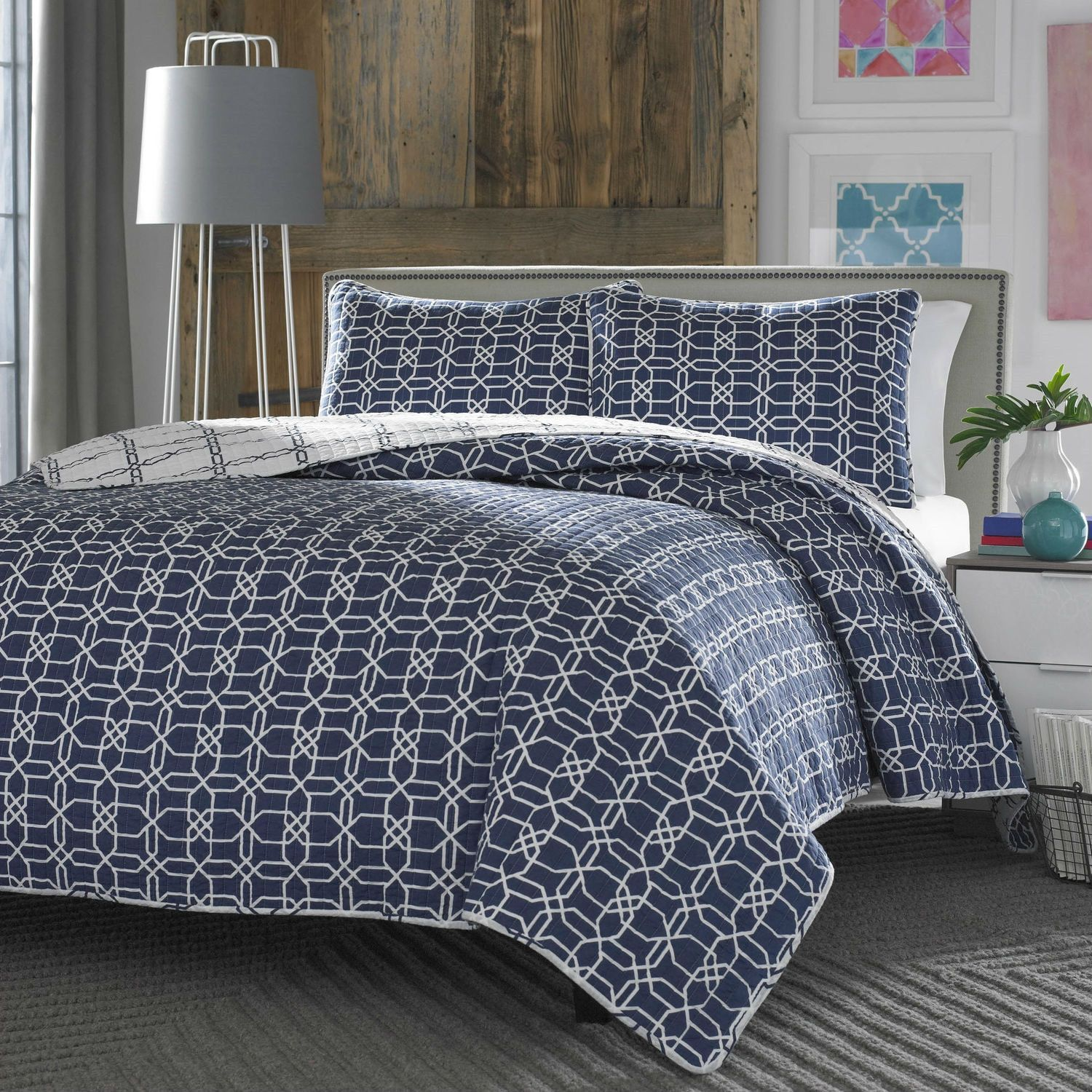 King Navy White Geometric Reversible Quilt Coverlet Bedspread Set White Coverlet White And Navy Bedding Bedspread Set