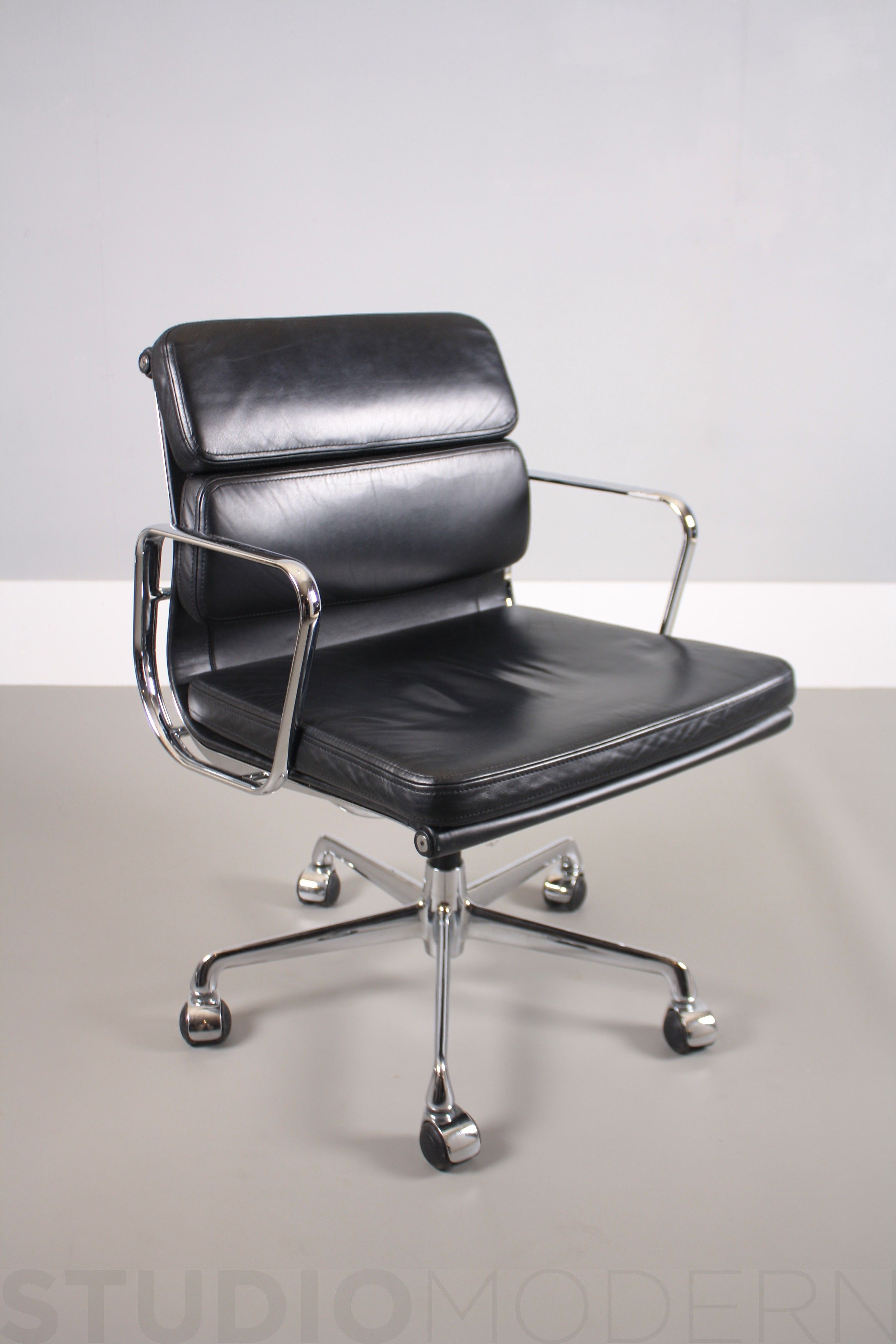 ICF Charles U0026 Ray Eames EA208 Soft Pad Chair. The Frame Of Chair Is Chromed